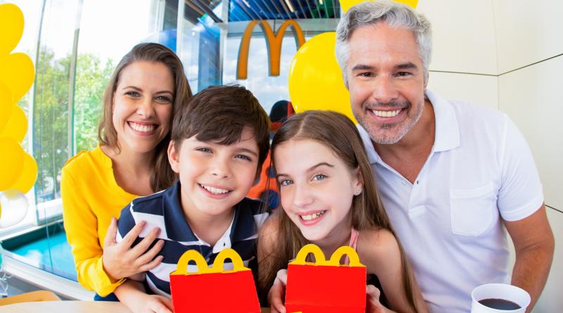 McDonald's evoluciona su Cajita Feliz™ para ofrecer opciones más nutritivas: